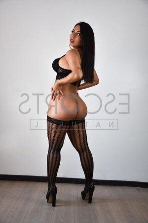 Karolyne erotic massage in Hacienda Heights California & escort girl