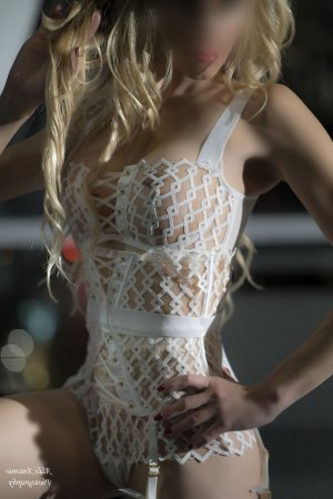 Karlina escorts in Alamo & thai massage