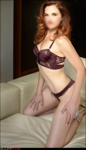 Ayna nuru massage in Oregon City, call girls