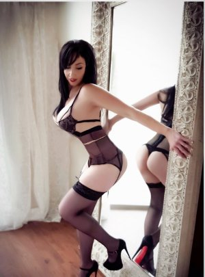 Sumeyye escort girl and nuru massage