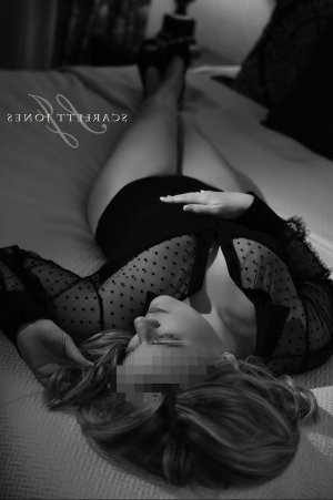 Fatiah thai massage in Charleston, escort